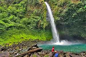 costa-rica-la-fortuna-waterfall